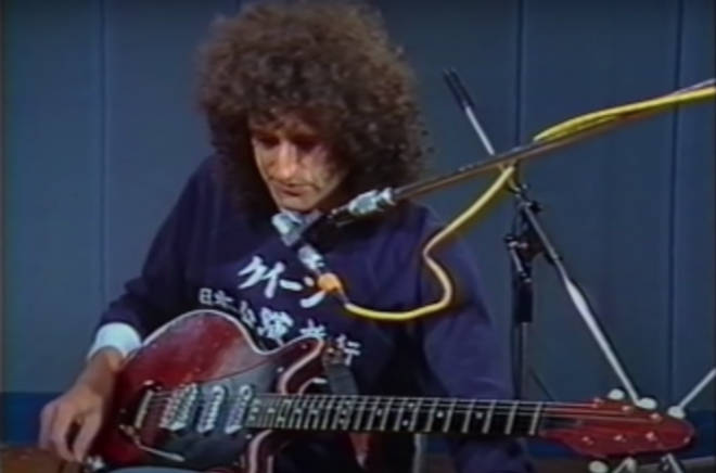 Despite Brian referring to making the guitar 'scream', the guitar solo is quietly fascinating insight into the exact workings of the track and how it is broken down into particular chords.