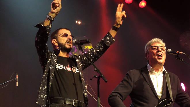 Graham Gouldman performing with Ringo Starr
