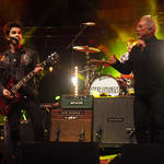 Tom Jones and Stereophonics in concert in 2015