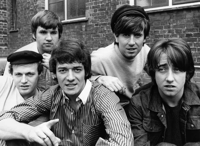 The Hollies (Eric Haydock second left)